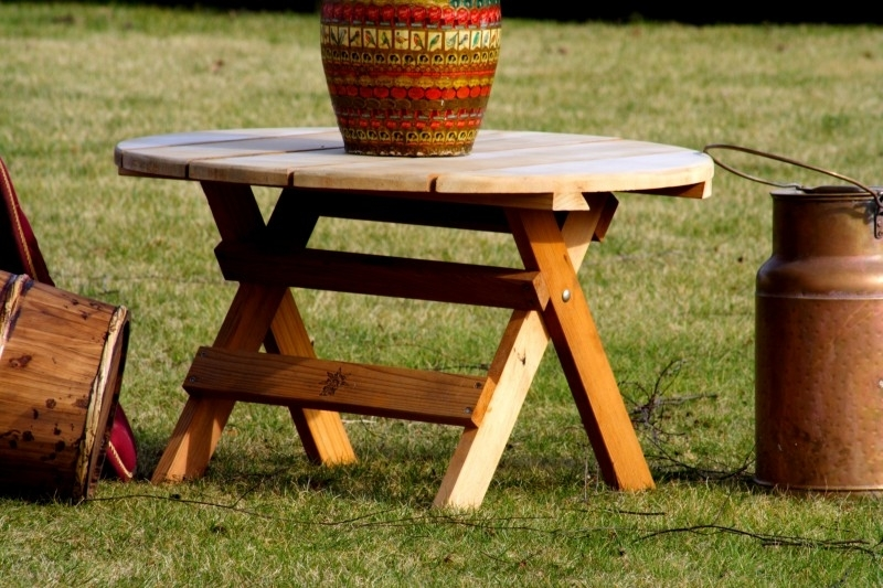 Bearchair folding table